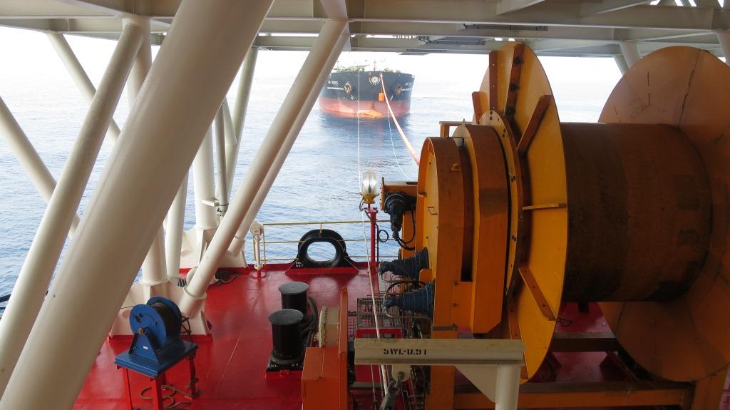 Hawser Reelers For Tandem Mooring Trelleborg Marine Systems