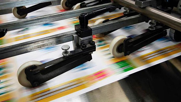 print industry The printing industry is in the midst of a decline as digital products and services continue to displace printed materials the industry's two largest markets, advertising and publishing, have both accelerated their moves online over the five years to 2018, reducing demand for printing.