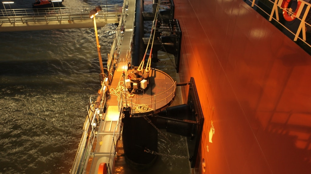 Mooring at LNG Terminal