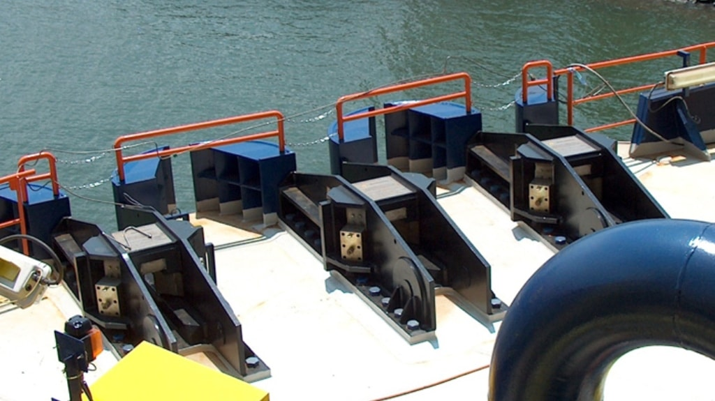 Chain Stoppers for spread mooring - Trelleborg Marine and