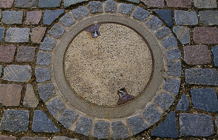 PS_German_Manhole_Cover_720x464